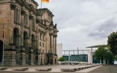 """Denglisch"": Learning German in Germany"