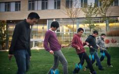 The art of the Chinese yo-yo