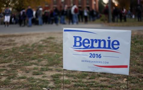 Hundreds come to rally for Bernie Sanders at UMass