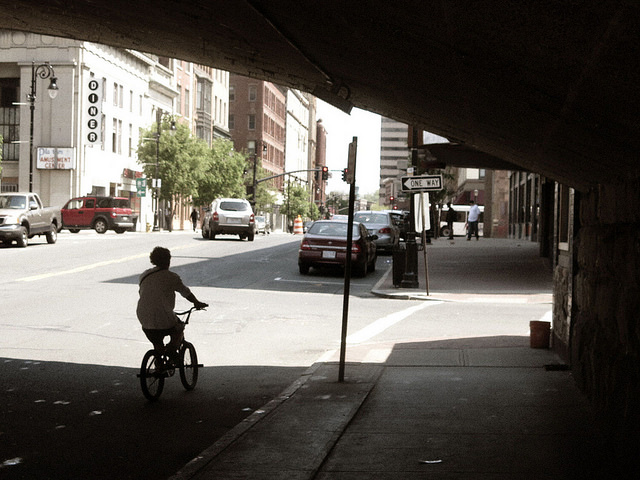 A+bicyclist+on+Main+Street+in+Springfield%2C+Mass.%28blekky%2FFlickr%29