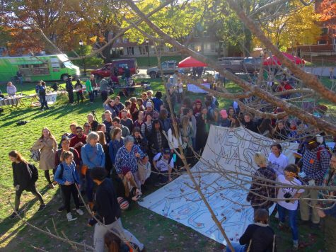 Over 100 students attended the solidarity farmers market. (Jon Decker/Amherst Wire)