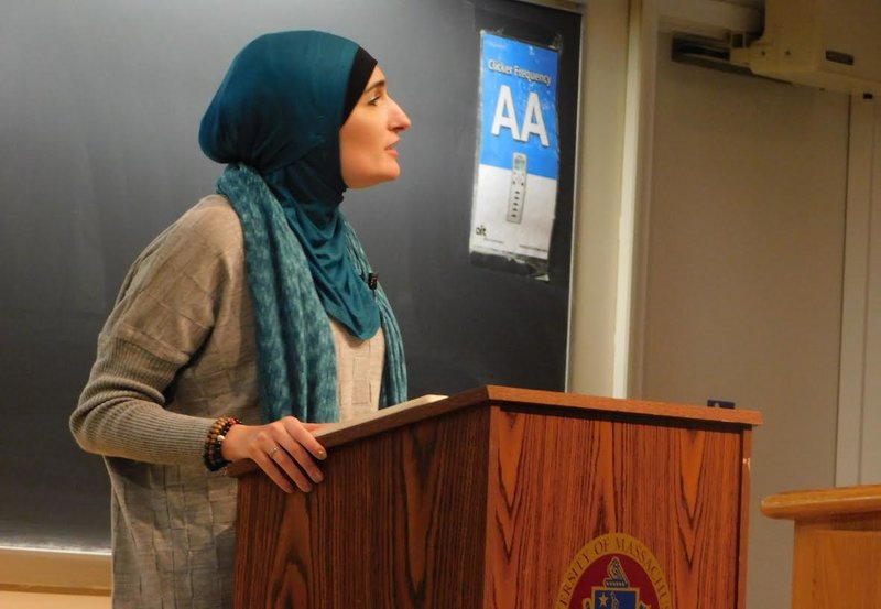 Linda+Sarsour+speaks+to+an+audience+at+UMass