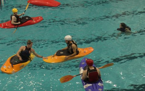 Outing Club hosts kayak lessons at Totman pool