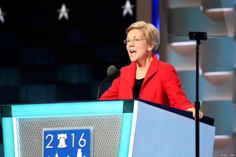 Sen.+Elizabeth+Warren+speaks+at+the+2016+Democratic+National+Convention.+%0A