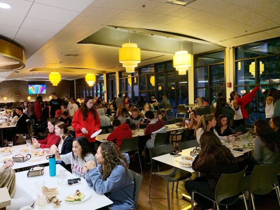 Biggest freshman class ever leads to overcrowding in dining commons