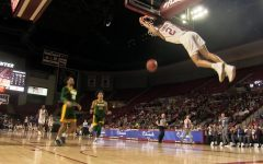 Basketball Highlights: UMass stuffs George Mason's comeback attempt