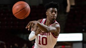 UMass Basketball loses two, gains one in transfers