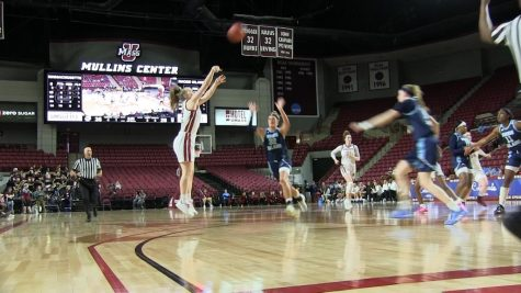 Women's Highlights: UMass finishes the regular season with a win against Rhode Island