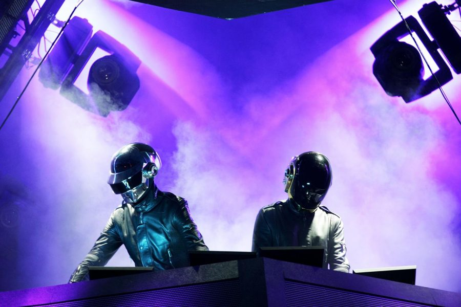Daft Punk performing at Coachella, 2006 / Cred. Getty Images.