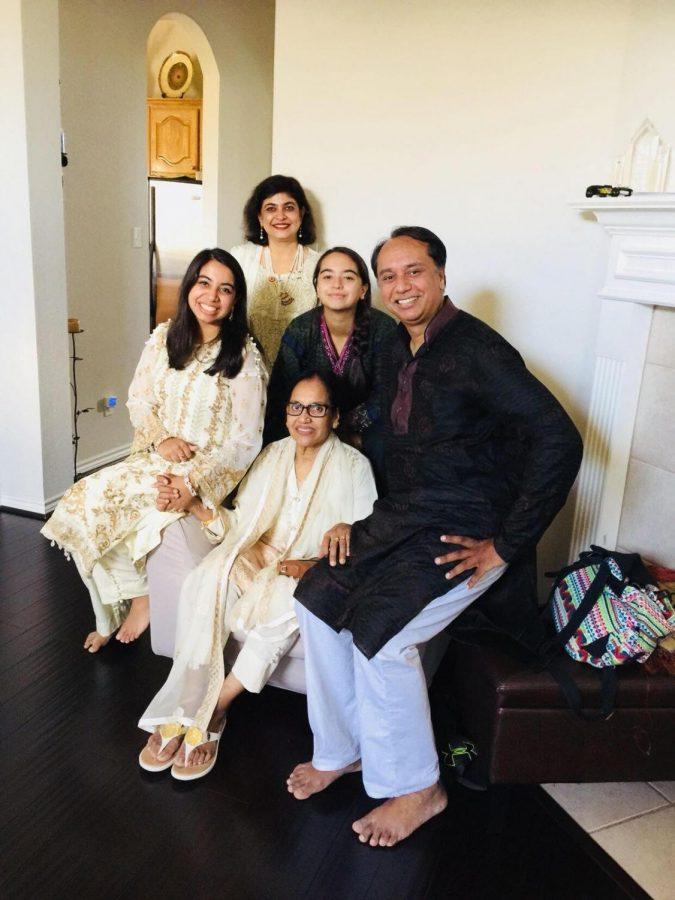 Raaya Alim and her family/ Raaya Alim