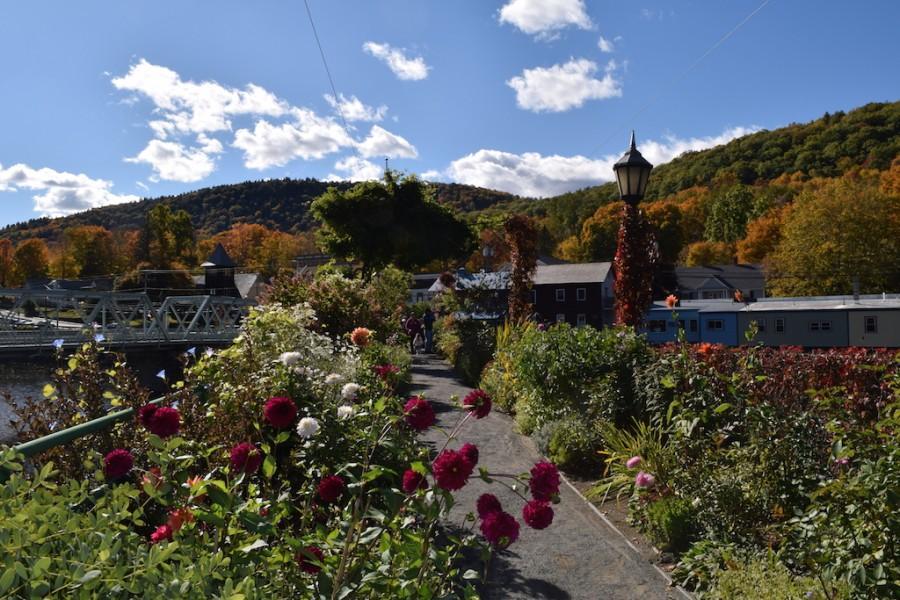 Community blooms at the Bridge of Flowers